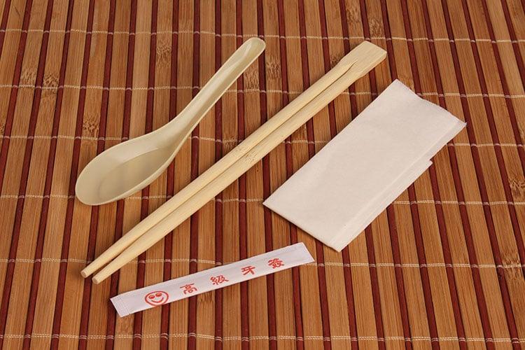 订做一次性筷子套装,竹筷纸巾牙签饭勺